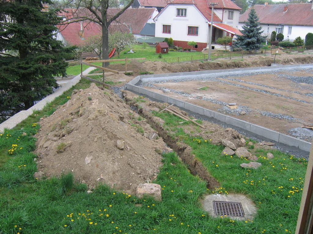 Zemní práce - ohraničení obrubníky