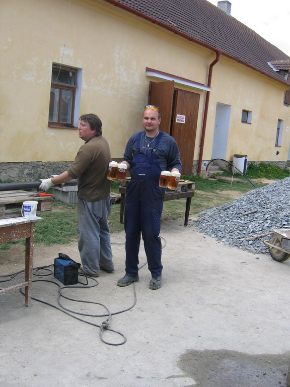 Konstrukce - příprava oplocení hřiště